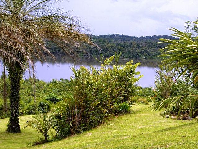 Lac_à_Kango, Gabon